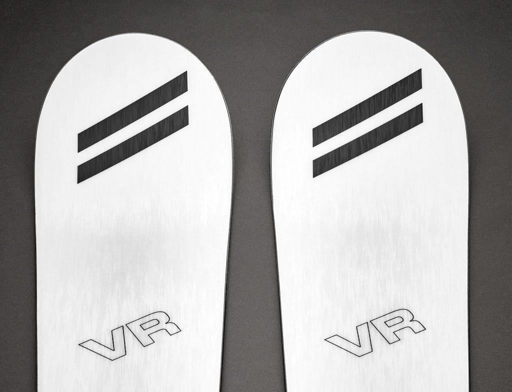 VR All Piste blanc avant du ski